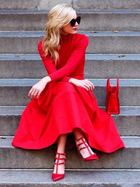 rochie în roșu deschis