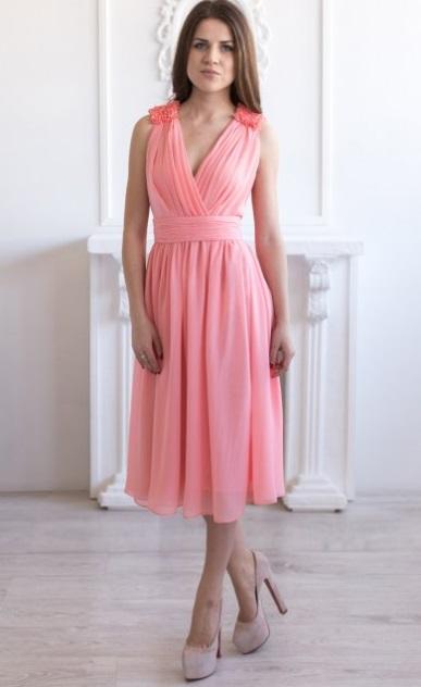 рокля със средна дължина