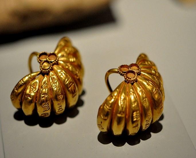 βραχιόλι από χρυσό ή ασημί